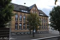 Altbau der Grundschule (1. und 2. Klasse im Klassenzimmer links unten)