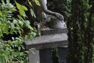 Genau, das WW I Denkmal vorm Stadtpark.
