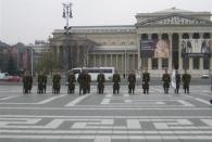 Parade am Veteranentag auf dem Heldenplatz