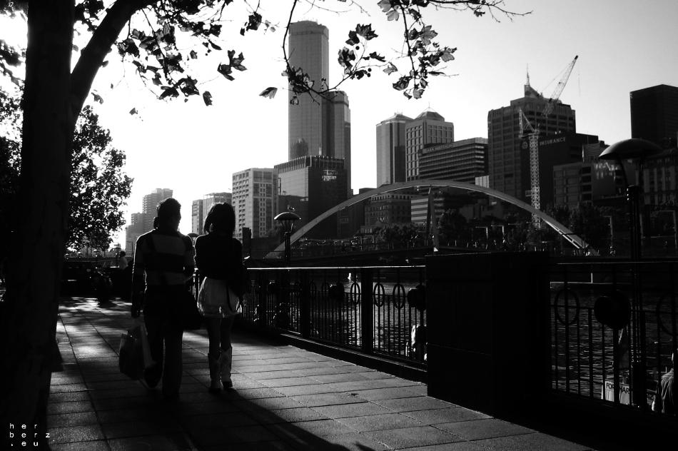 11/2020 – Sunnyday Walk in Melbourne